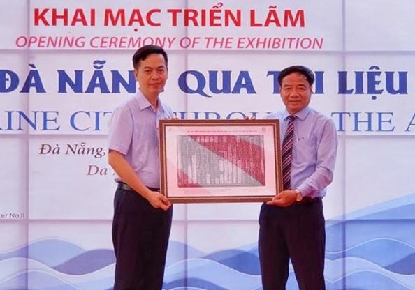 Triển lãm sẽ giới thiệu đến công chúng nhiều tài liệu quý về lích sử hình thành đô thị biển Đà Nẵng. Ảnh: H.S