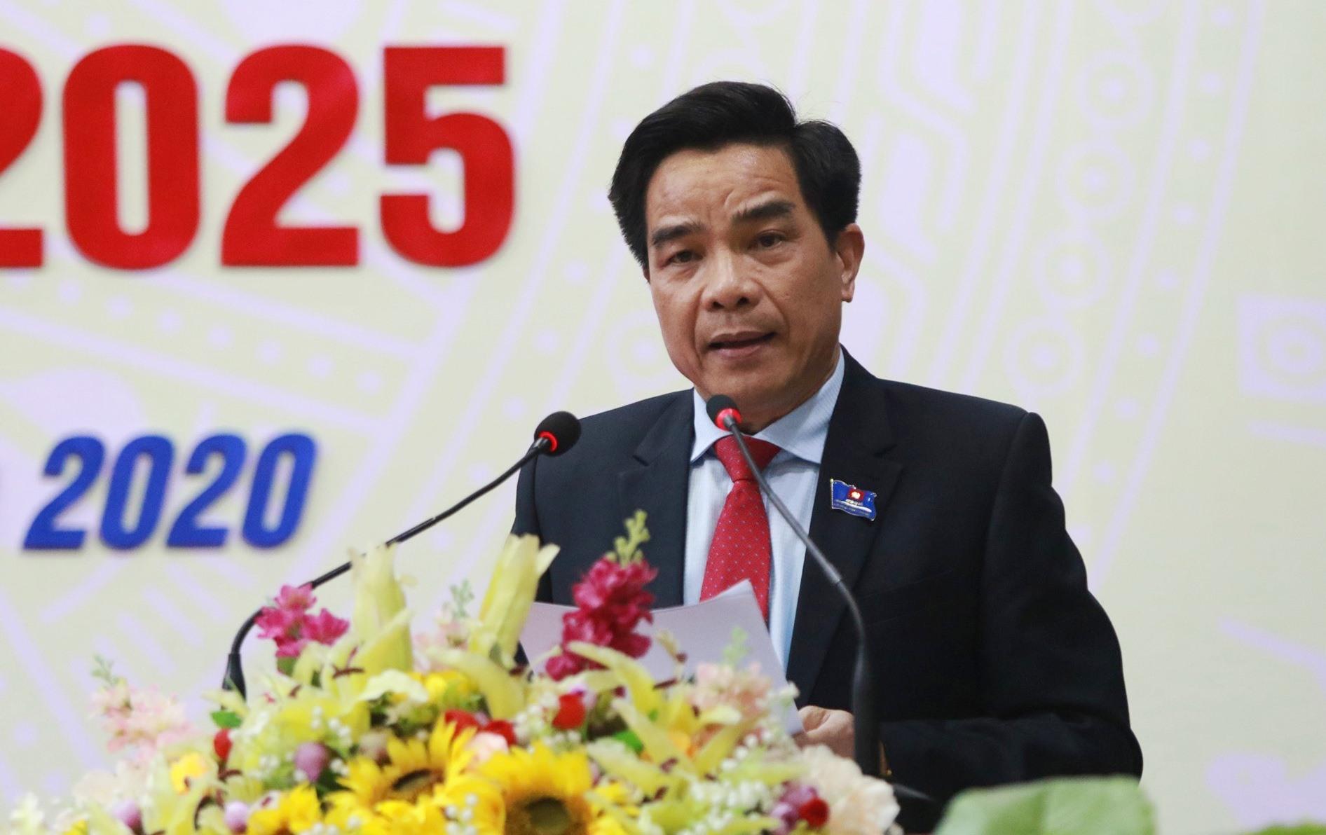 Phó Bí thư Tỉnh ủy Lê Văn Dũng phát biểu chỉ đạo tại đại hội. Ảnh: T.C