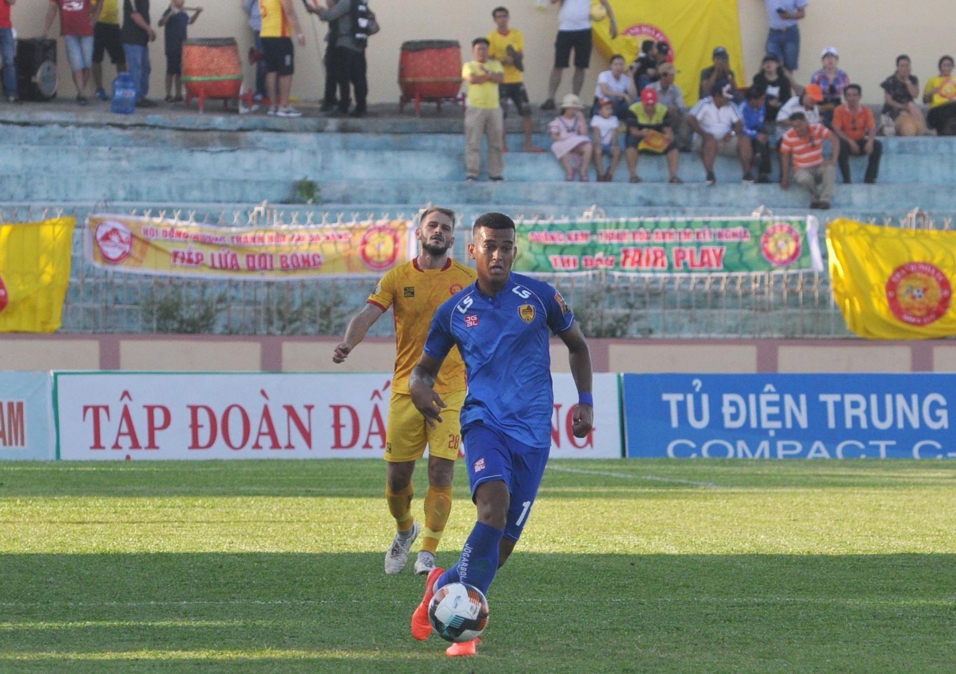 Rodrigo hồi phục chấn thương và quay trở lại giúp Quảng Nam có thêm phương án tấn công. Ảnh:A.N