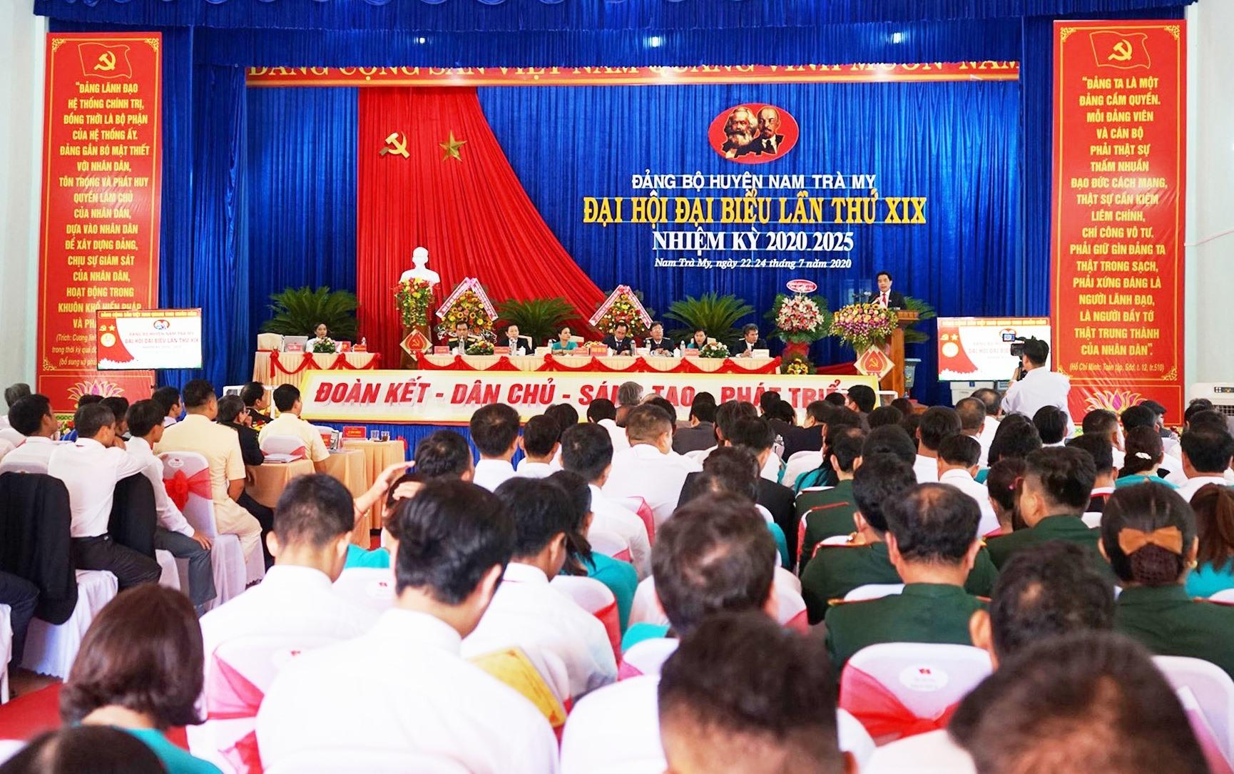 Đại hội khai mạc phiên chính thức vào sáng nay, ngày 23.7. Ảnh: N.S