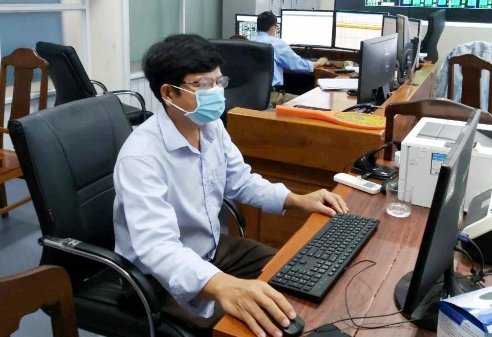 PC Quảng Nam đảm bảo vận hành hệ thống điện bình thường, ổn định. Ảnh: TRUNG LỘ