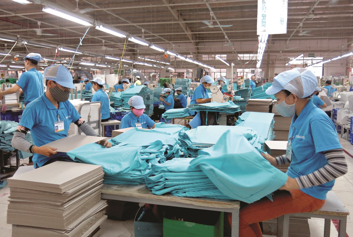 Một số ngành sản xuất, kinh doanh đã vận hành trở lại nhưng tăng trưởng chưa được như kỳ vọng.Ảnh: T.D