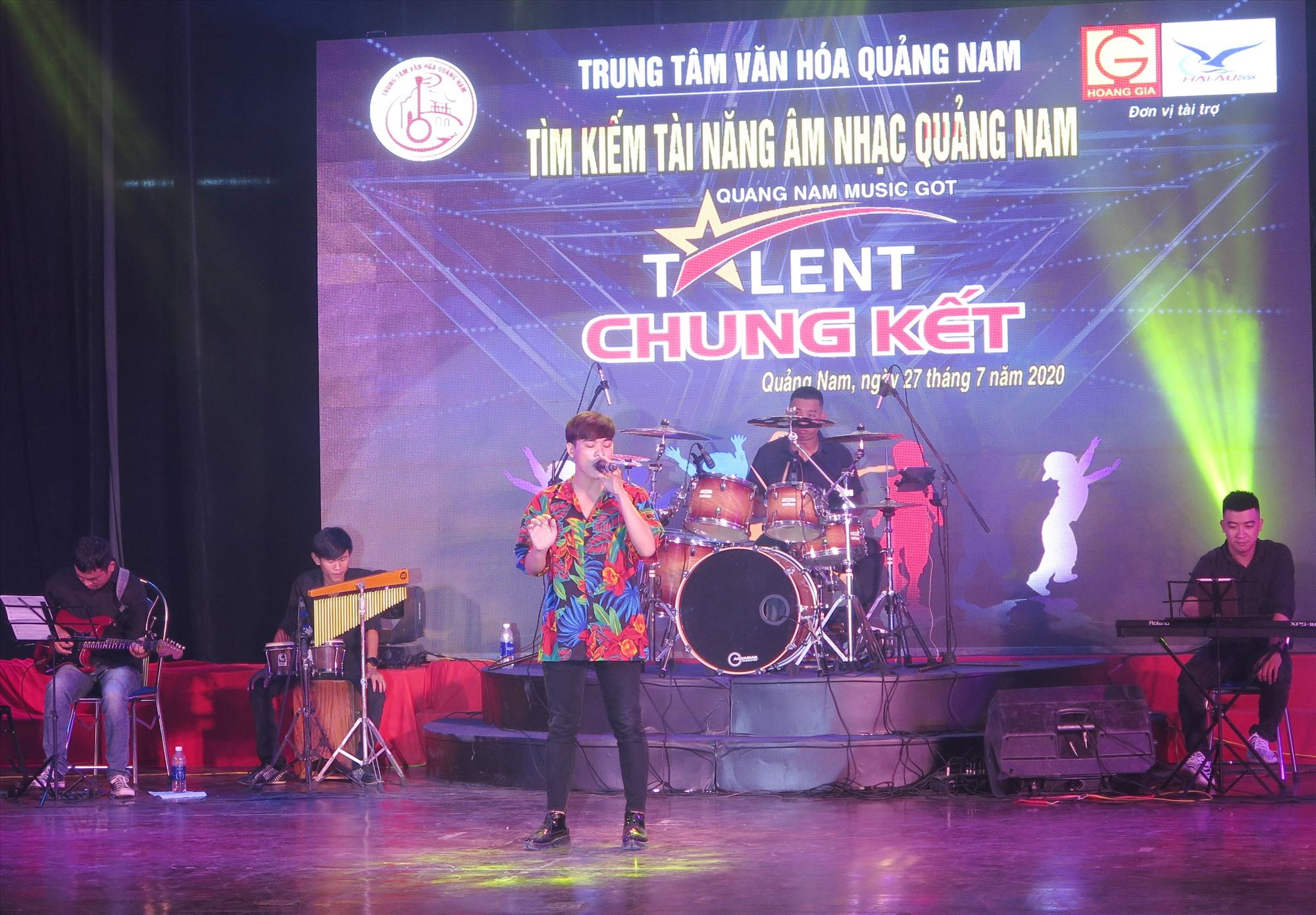 Sân chơi Tìm kiếm tài năng âm nhạc thu hút nhiều bạn trẻ tham gia. Ảnh: X.H