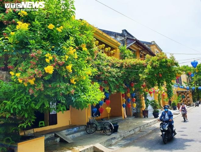 The central province of Quang Nam is scheduled to impose social distancing on Hoi An, a UNESCO World Heritage Site, at midnight July 31 after a local resident became infected with the novel coronavirus (Covid-19)