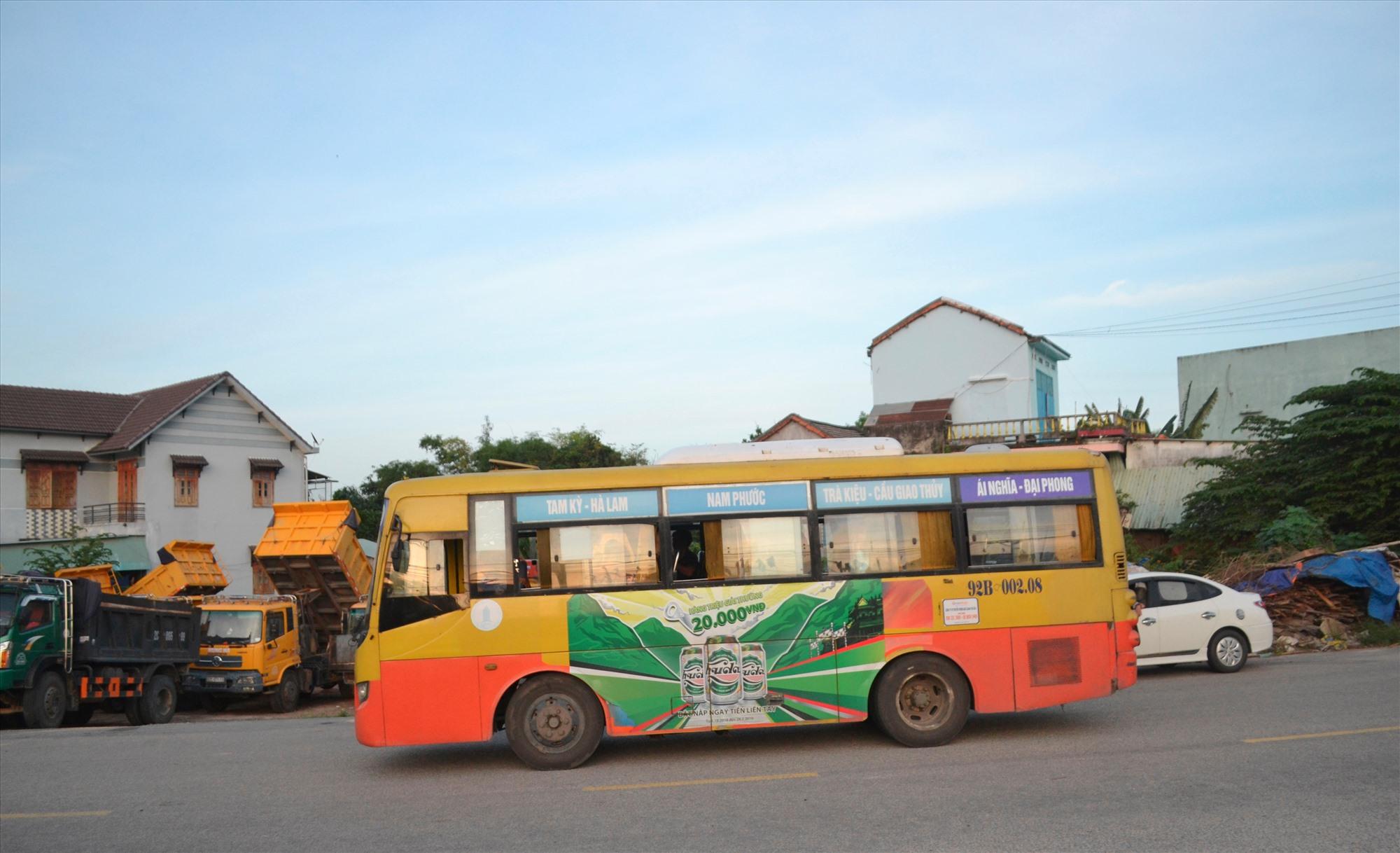 Xe buýt Tam Kỳ - Đại Phong (Đại Lộc) và ngược lại phải tạm dừng hoạt động bắt đầu 0 giờ sáng mai. Ảnh: CT