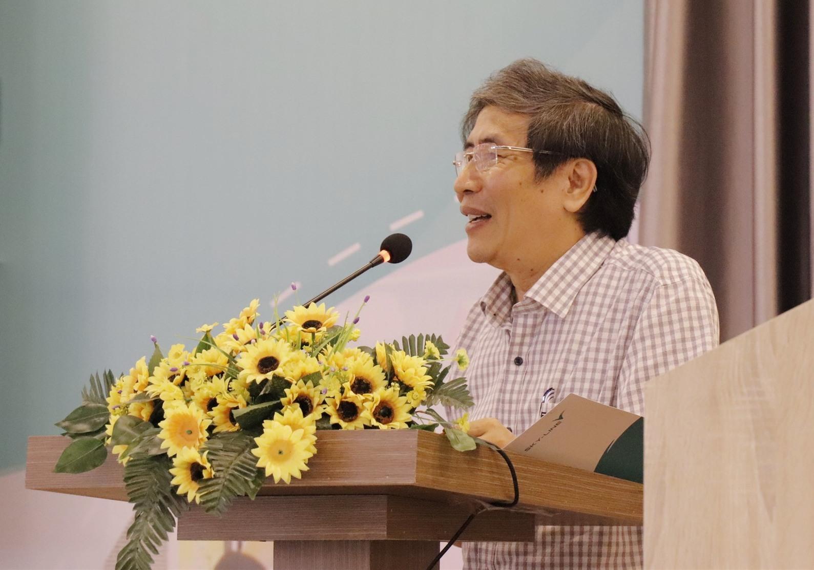 TS.Vũ Đình Chuẩn phát biểu tại Hội thảo Sơ kết 5 Đề án Đổi mới giáo dục của Sky -Line ngày 4.7.2020. Ảnh NTB