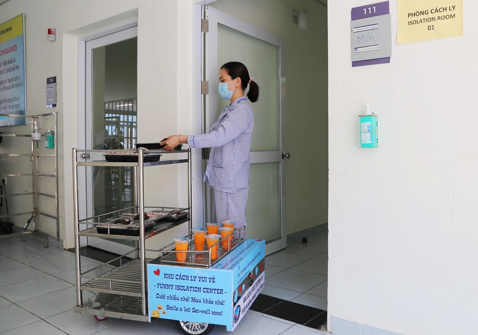 RONA được trang bị để hỗ công tác phòng, chống dịch bệnh tại Bệnh viện Đa khoa Trung ương Quảng Nam. Ảnh: L.P.THẢO