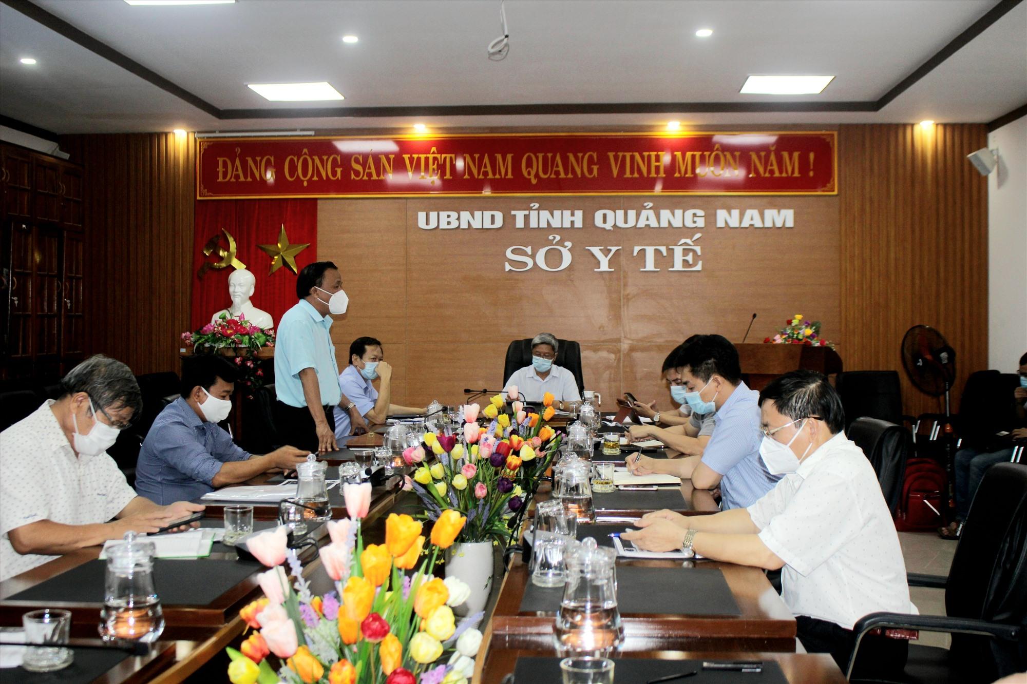 Thứ trưởng Bộ Y tế Nguyễn Trường làm việc tại Sở Y tế chiều ngày 20.8