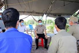 Quang Nam leaders and local people in Dien Ban town In Dien Ban town