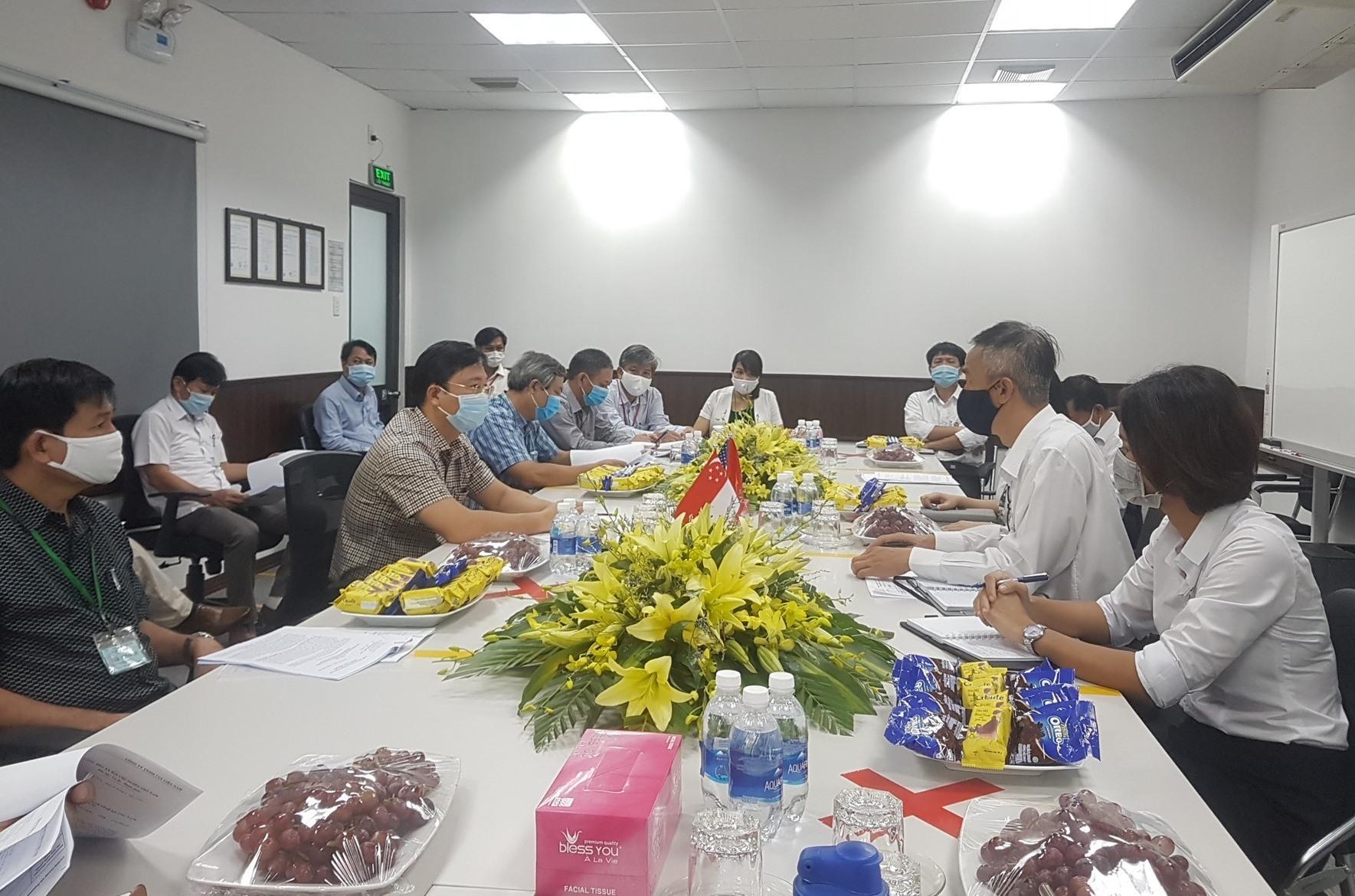 A meeting between Quang Nam leaders and representatives of CCI Viet Nam