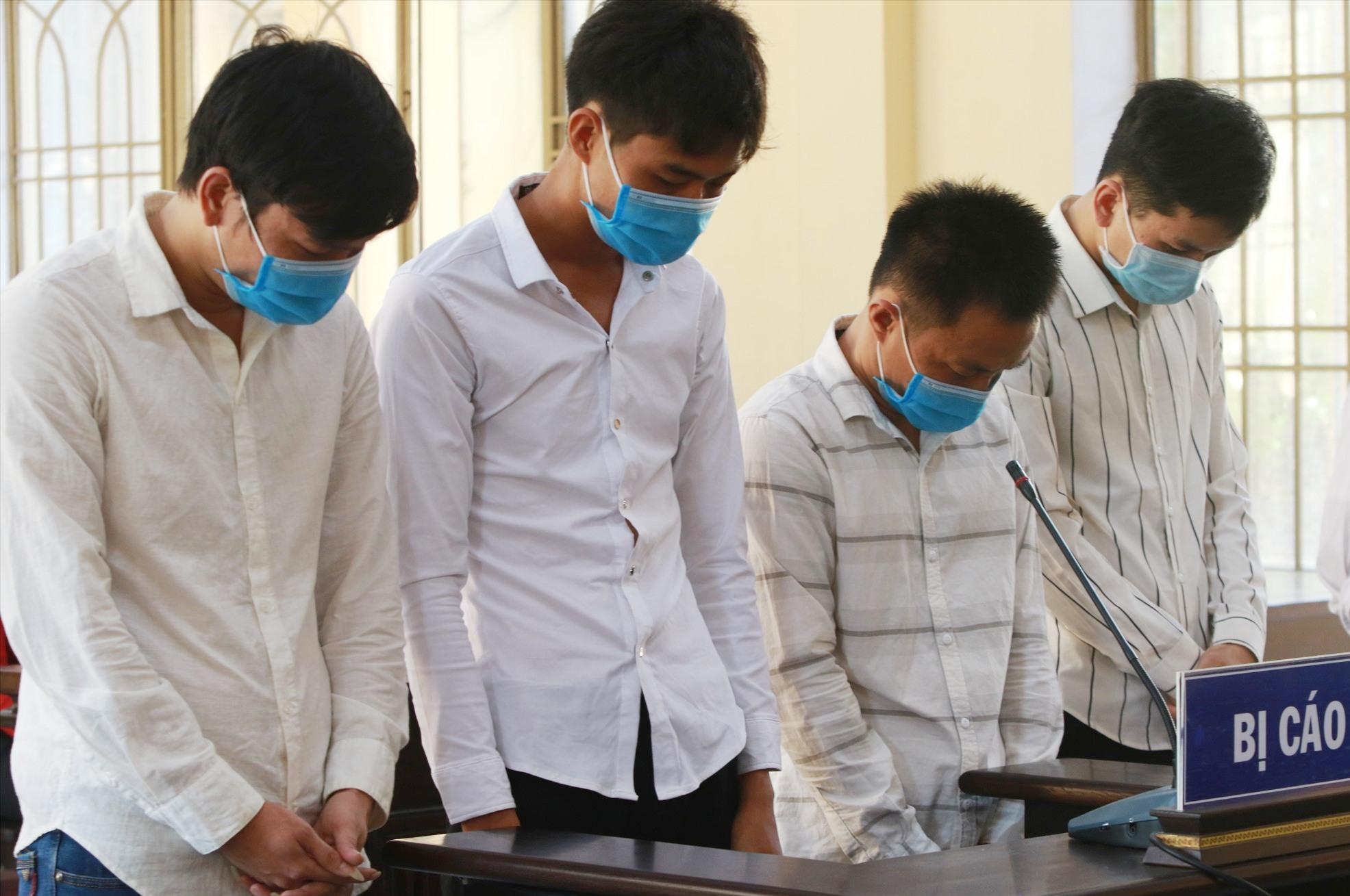 Nhóm thanh niên trộm cắp 37 cây vàng lĩnh tổng cộng mức án 31 năm tù. Ảnh: T.C