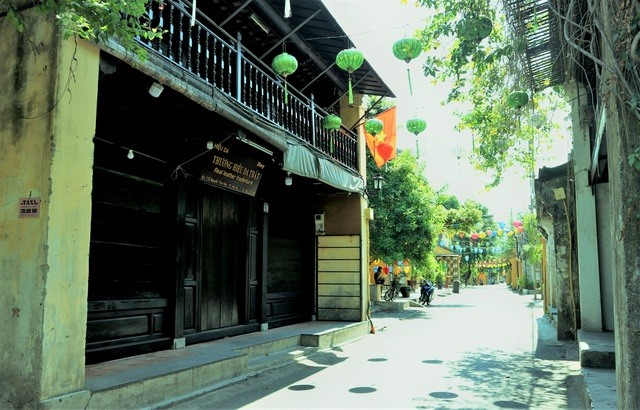 Hoi An city is still quiet on the first day of social distancing ending. Photo: dantri.com.vn