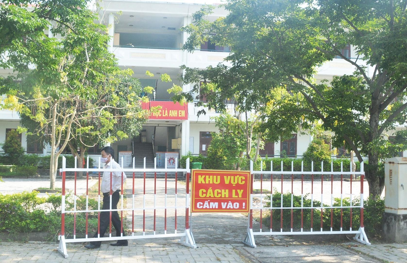 Một góc khu cách ly tập trung tại Trường đại học Nội vụ Hà Nội phân hiệu Quảng Nam. Ảnh: Q.T