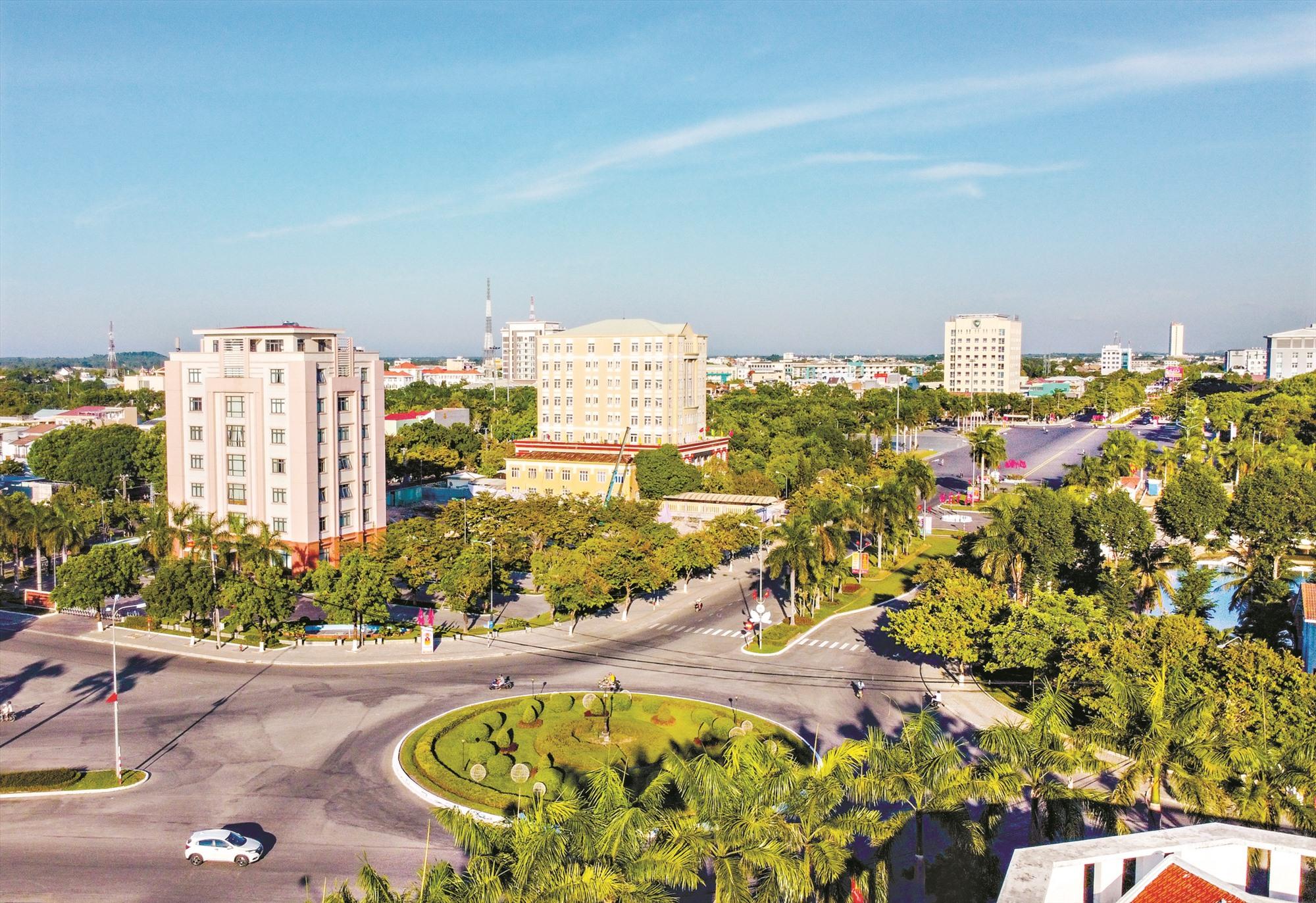Quảng Nam sẽ phát huy thế mạnh, tiềm năng để phát triển kinh tế - xã hội trong thời gian tới. TRONG ẢNH: Trung tâm tỉnh lỵ Quảng Nam. Ảnh: PHƯƠNG THẢO