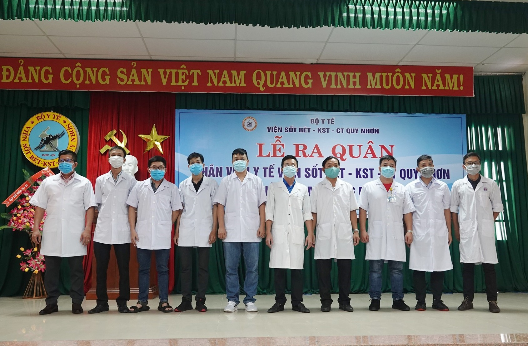 Nhiều đoàn công tác của các bệnh viện, cơ sở y tế cử lực lượng tăng cường cho Quảng Nam giúp nâng cao năng lực hoạt động trong phòng chống dịch Covid-19. Ảnh: H.T