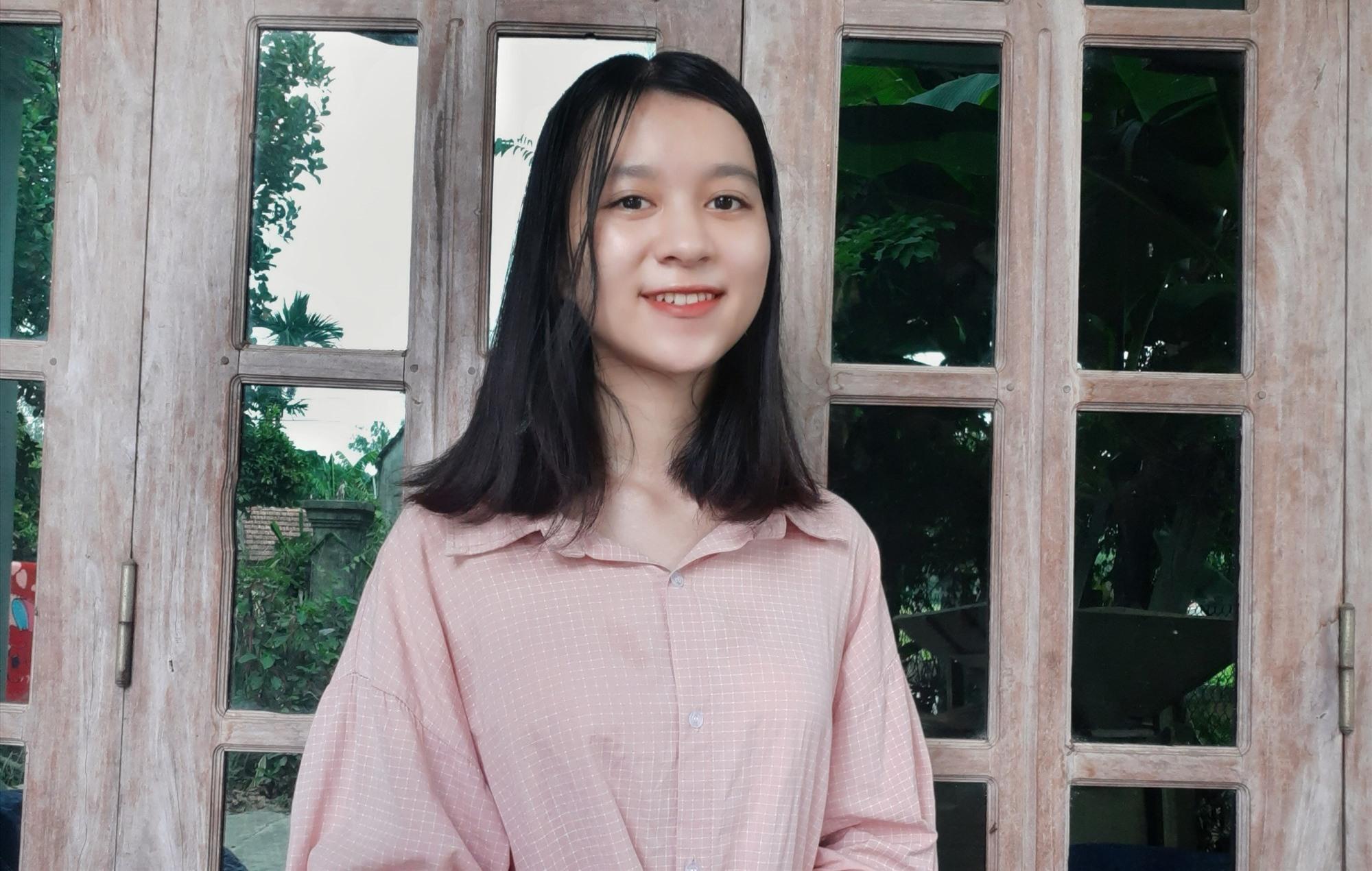"""Phạm Thị Phương Thanh đoạt """"cú đúp"""" trong năm học 2019 - 2020. Ảnh: NVCC"""