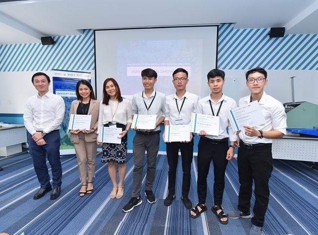 Nhóm sinh viên Trường ĐH Bách khoa Đà Nẵng đạt giải Cuộc thi eProjects -2020.Ảnh Xuân Lan