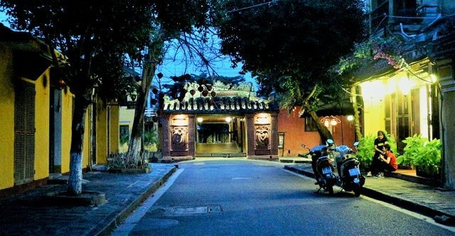 After a long time of social distancing, some corners of Hoi An ancient town are quiet.
