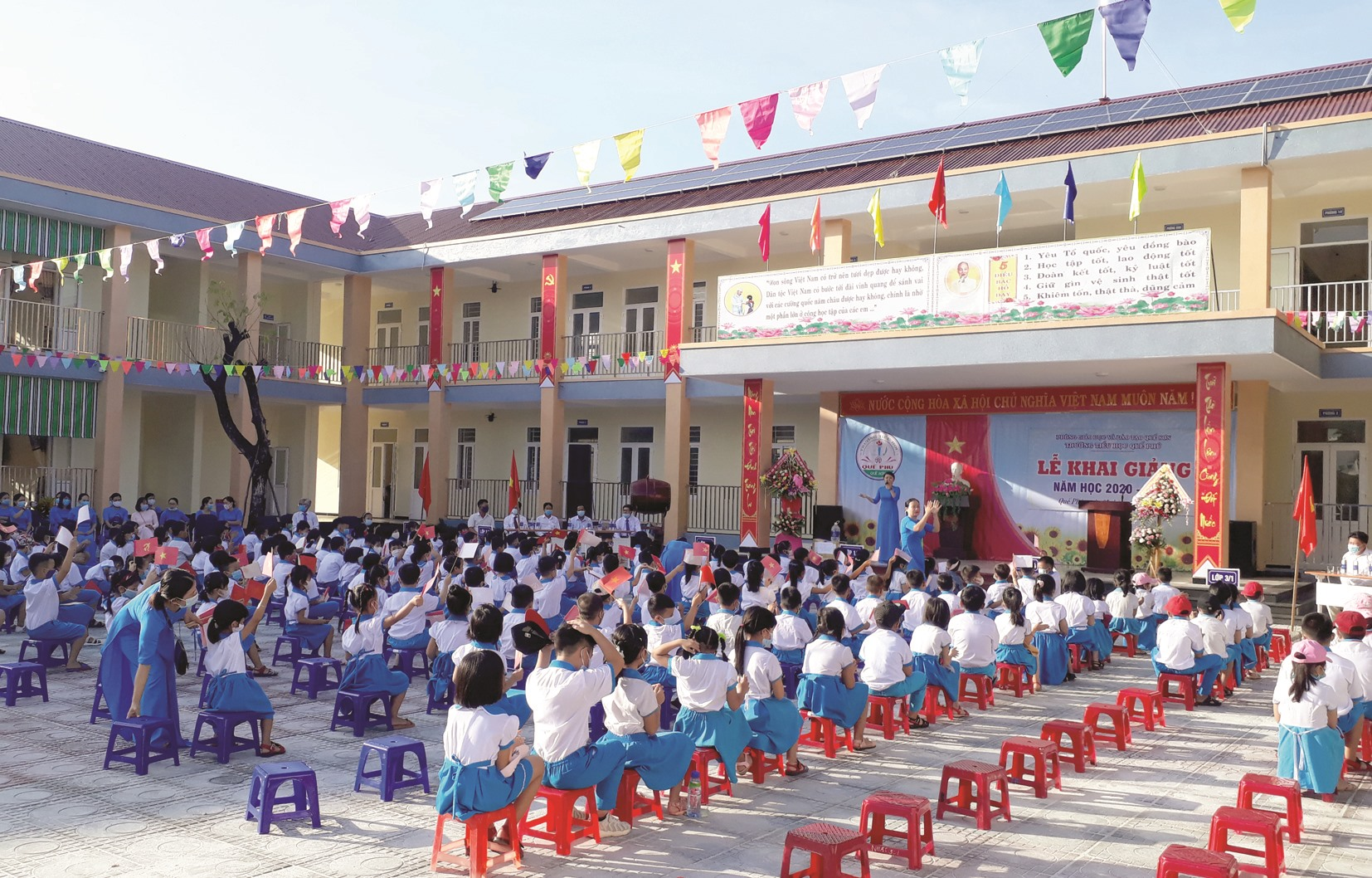Trường Tiểu học Quế Phú (Quế Sơn) vừa được đầu tư xây mới kiên cố, khang trang. Ảnh: T.P