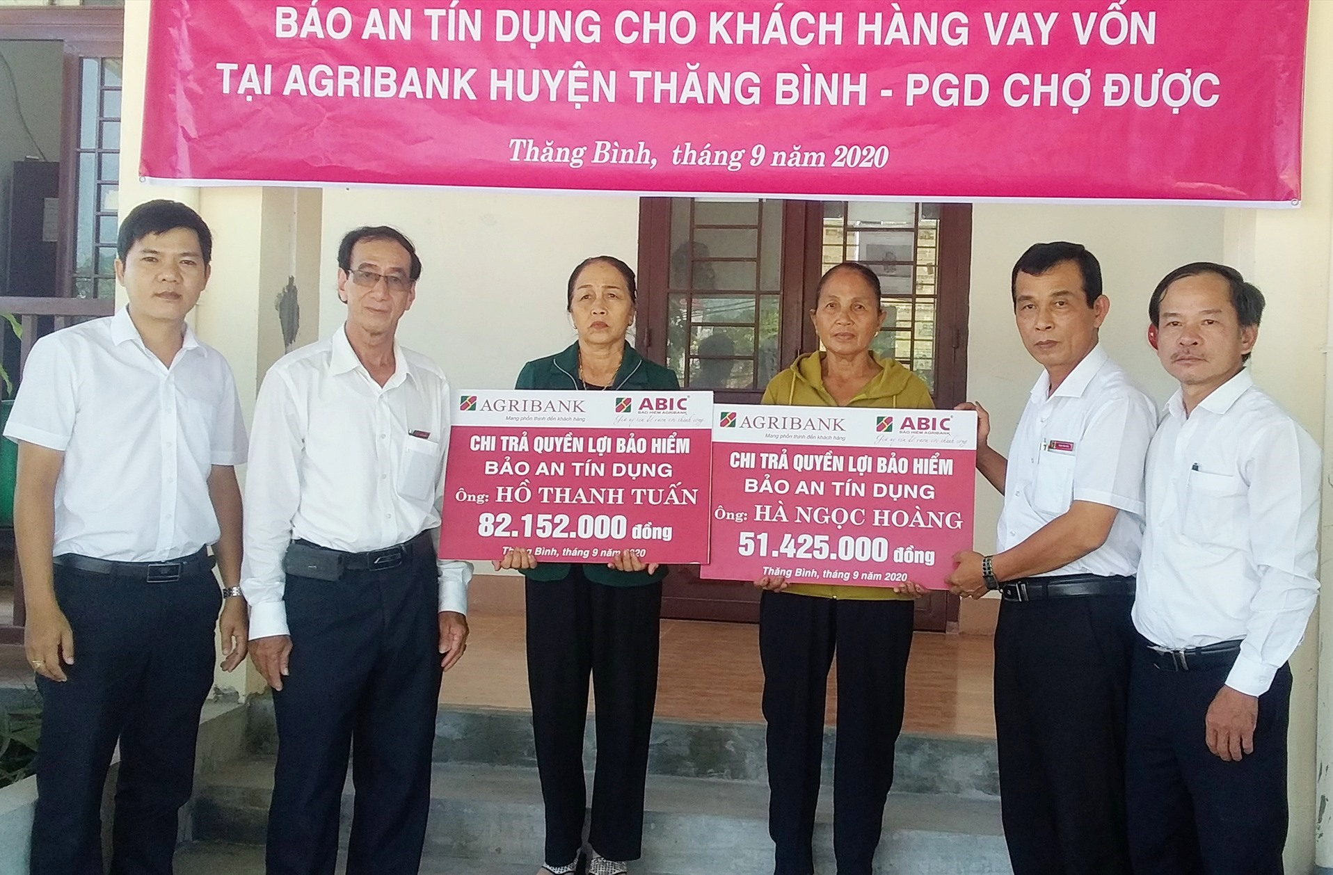 ABIC chi trả quyền lợi cho 2 khách hàng tại xã Bình Hải (Thăng Bình).