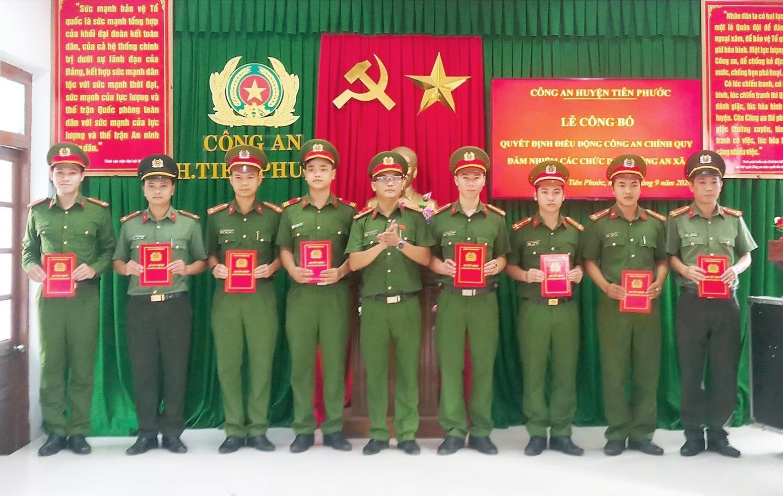 Công an Tiên Phước tiếp tục đưa 32 Công an chính quy về đảm nhiệm chức danh Công an xã.