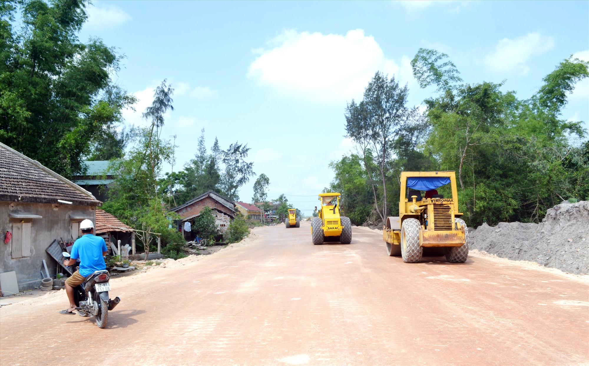 Huyện Thăng Bình chú trọng đầu tư xây dựng hạ tầng giao thông. Ảnh: VIỆT NGUYỄN