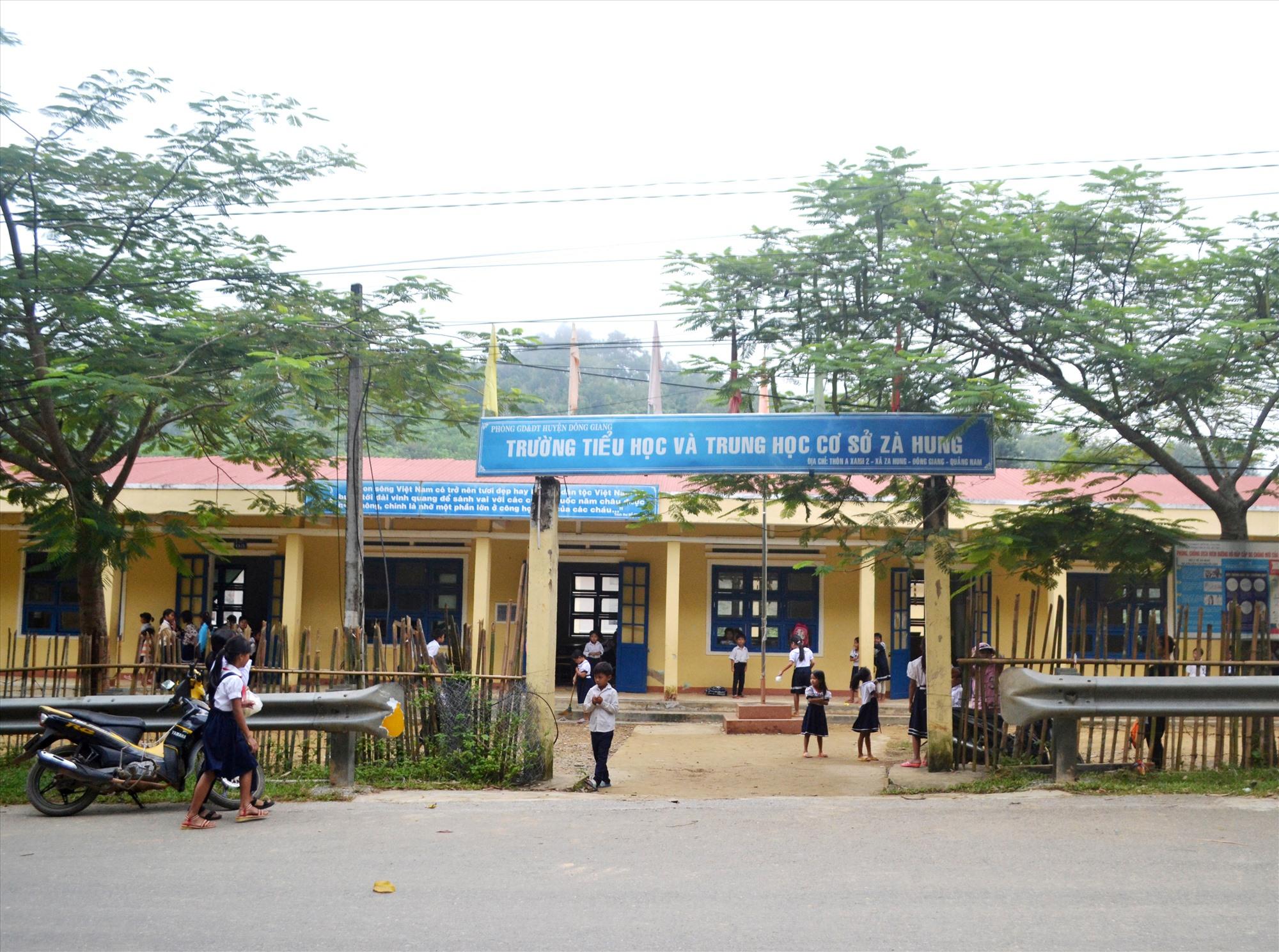 Một điểm trường chính Trường Tiểu học và THCS Zà Hung. Ảnh: C.T