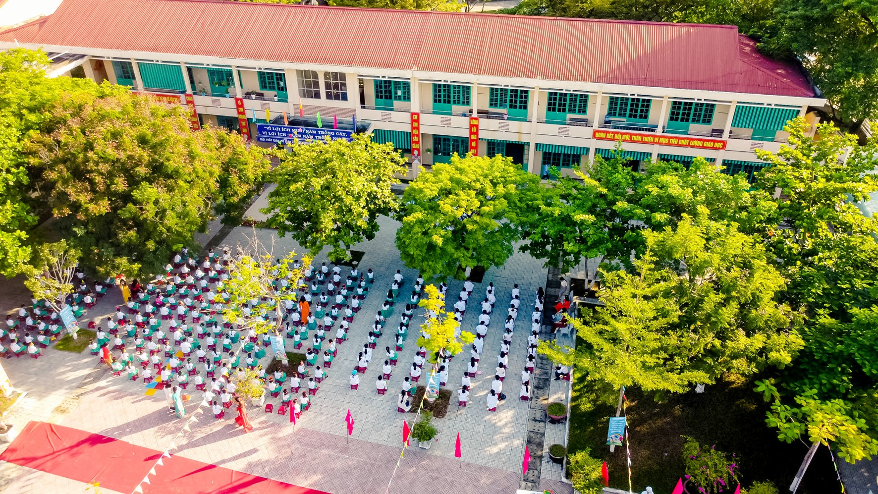Lễ khai giảng năm học 2020 - 2021 ở Trường Tiểu học Nguyễn Văn Trỗi (Tam Kỳ). ẢNH: PHƯƠNG THẢO