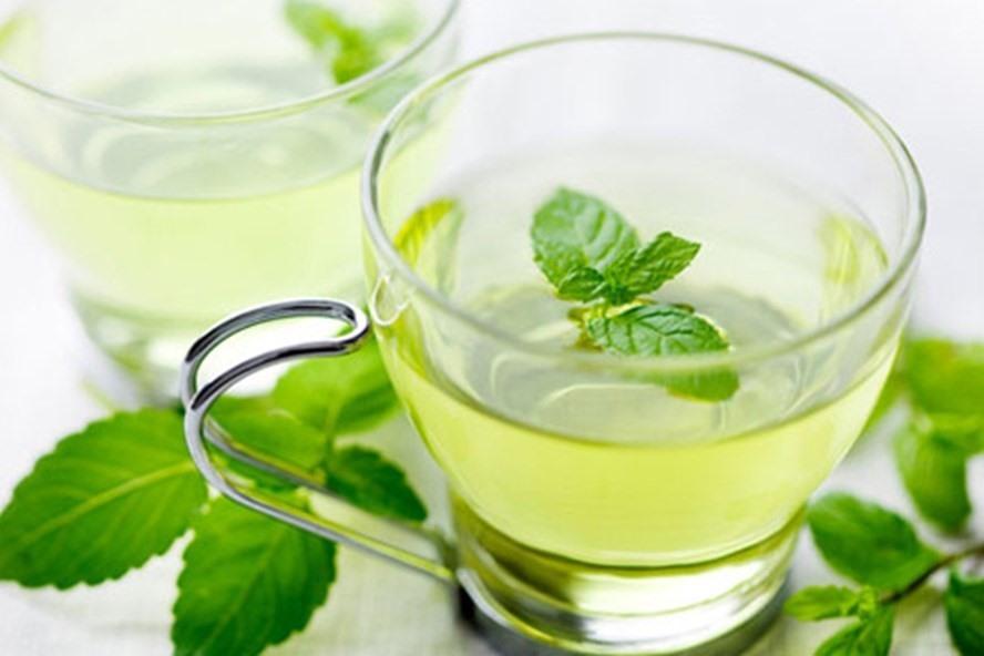 Khi bạn đau răng và không có thuốc, mẹo nhỏ ở đây là ngậm nước trà bạc vì tinh dầu từ bạc hà rất tốt trong việc làm giảm đau răng. Ảnh Brightside