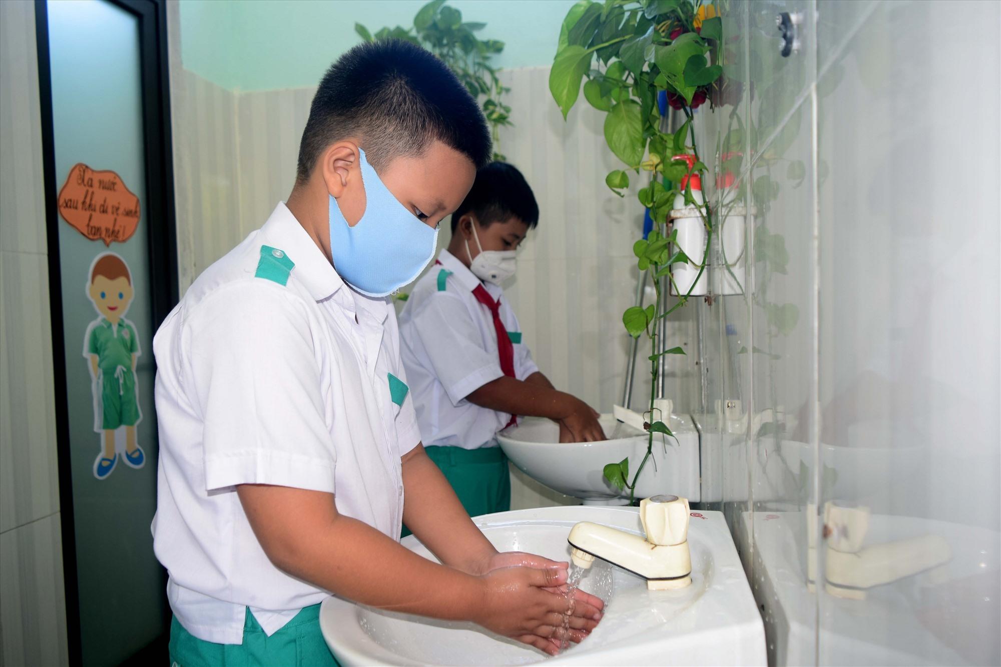 Nhà vệ sinh thân thiện trong trường học