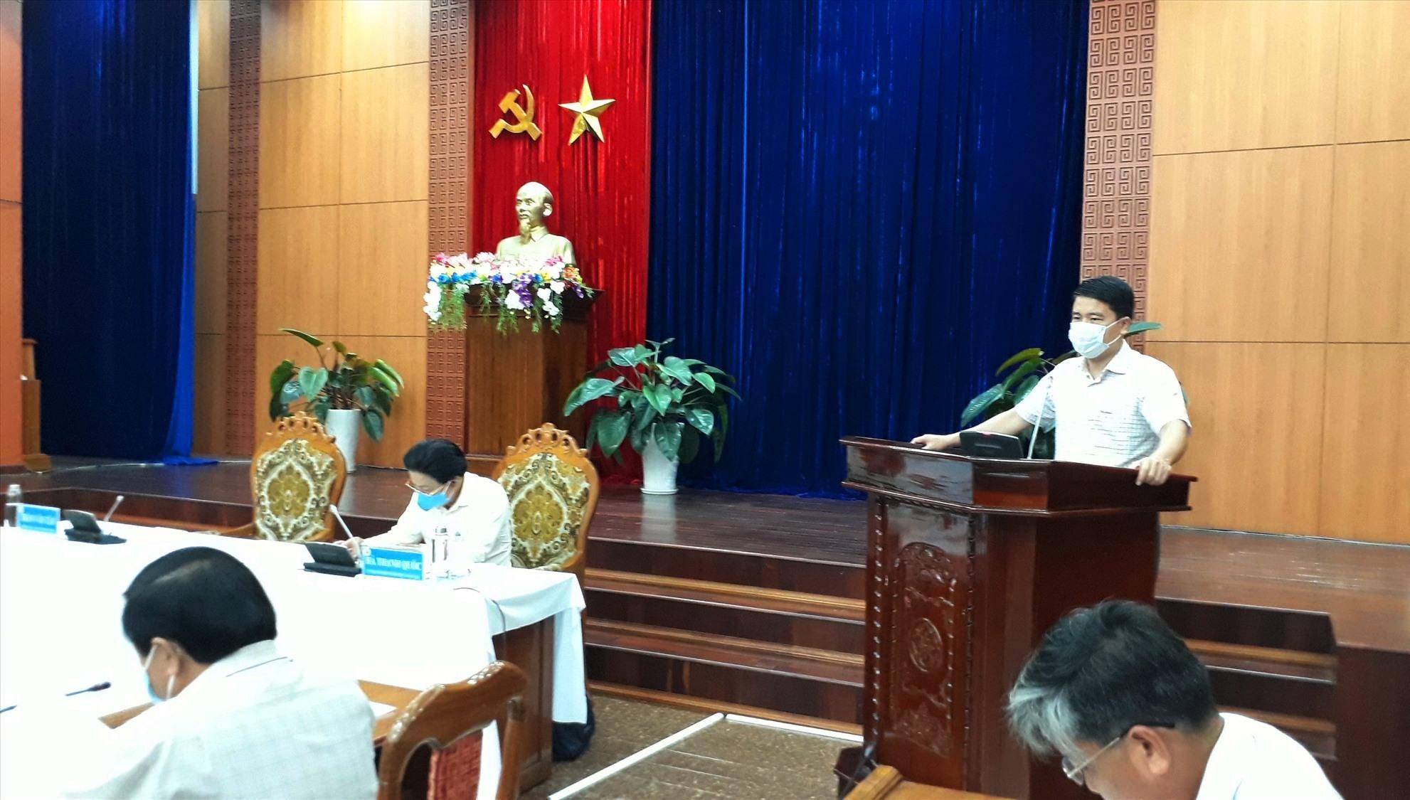 Phó Chủ tịch UBND tỉnh Trần Văn Tân khai mạc hội nghị. Ảnh: X.P