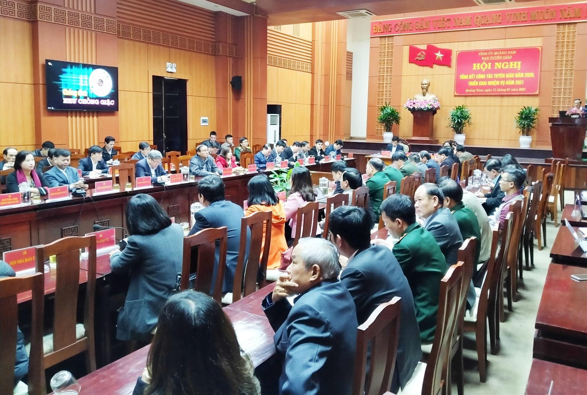 Quang cảnh hội nghị tại điểm cầu tỉnh sáng nay 11.1. N.Đ