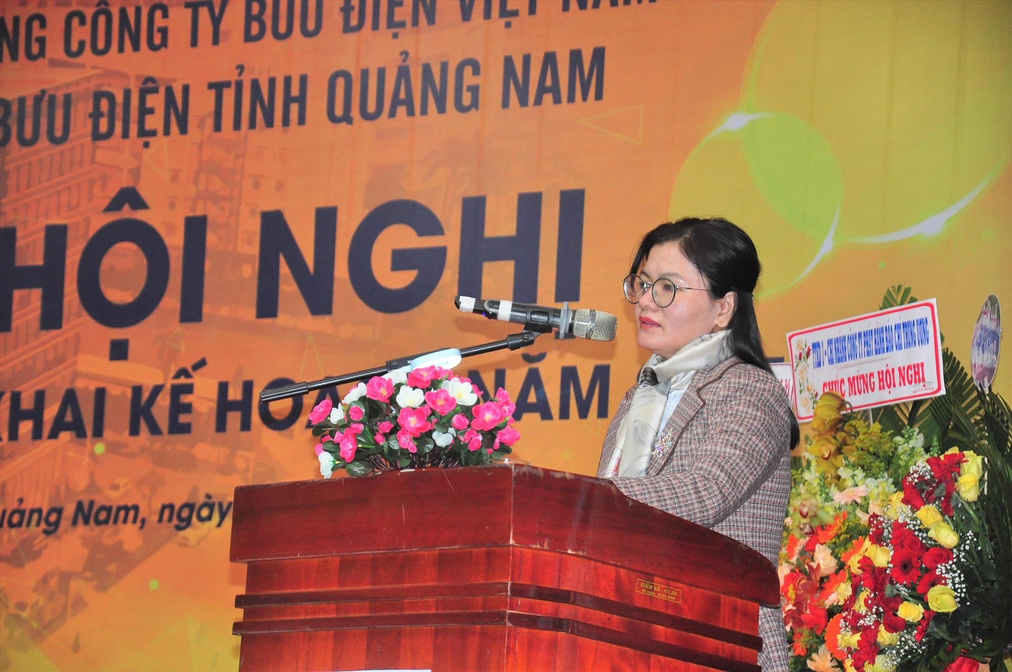 Bà Phạm Thị Ngọc Quyên - Phó Giám đốc Sở TT-TT phát biểu tại hội nghị. Ảnh: VINH ANH