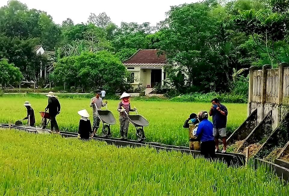 Những năm qua, xã Duy Thu ưu tiên nguồn lực xây dựng hệ thống thủy lợi phục vụ sản xuất nông nghiệp. Ảnh: H.N