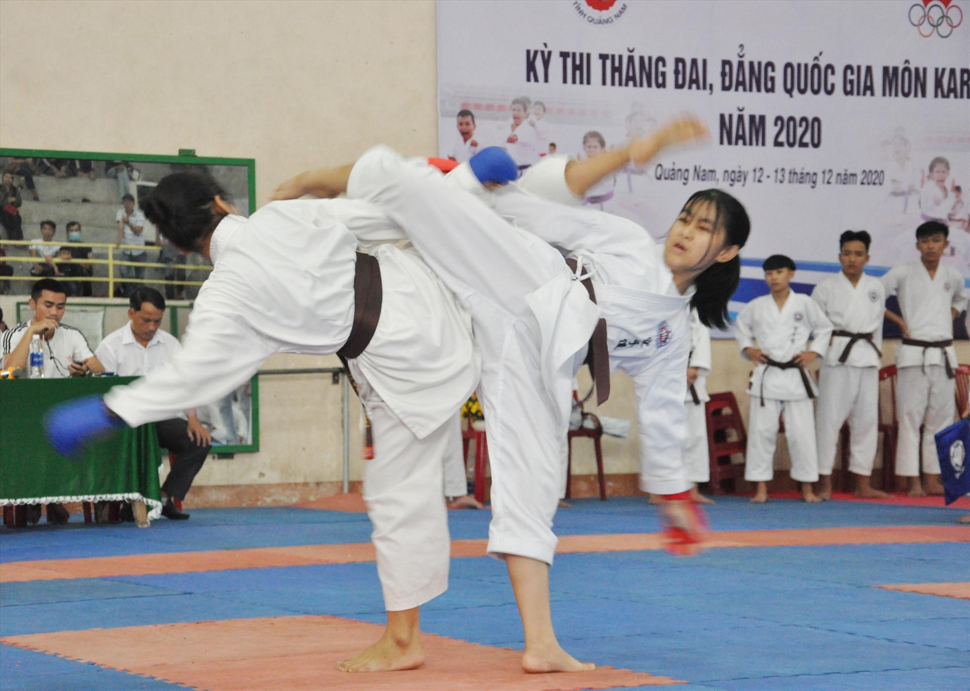 Thi thăng đẳng quốc gia do Hội Karatedo tỉnh Quảng Nam đăng cai tổ chức. Ảnh: An Nhi