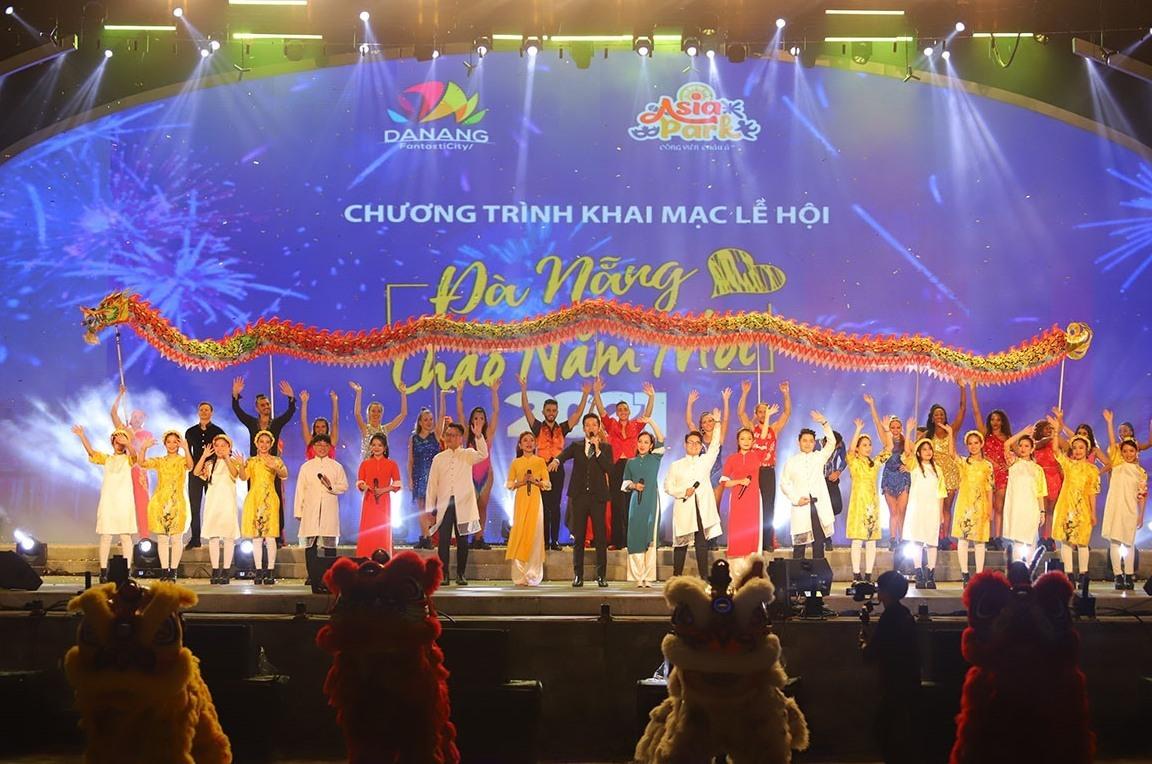 """Đêm khai mạc Lễ hội """"Đà Nẵng -Chào năm mới 2021"""" tại Công viên châu Á. Ảnh NĐ"""