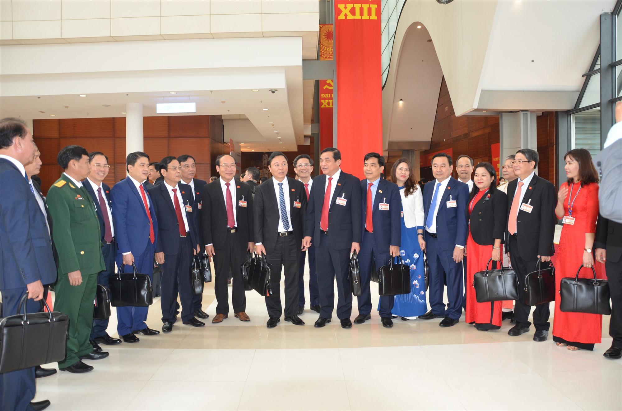 Đoàn Đại biểu Đảng bộ tỉnh Quảng Nam dự Đại hội XIII tại Trung tâm Hội nghị quốc gia. Ảnh: H.P