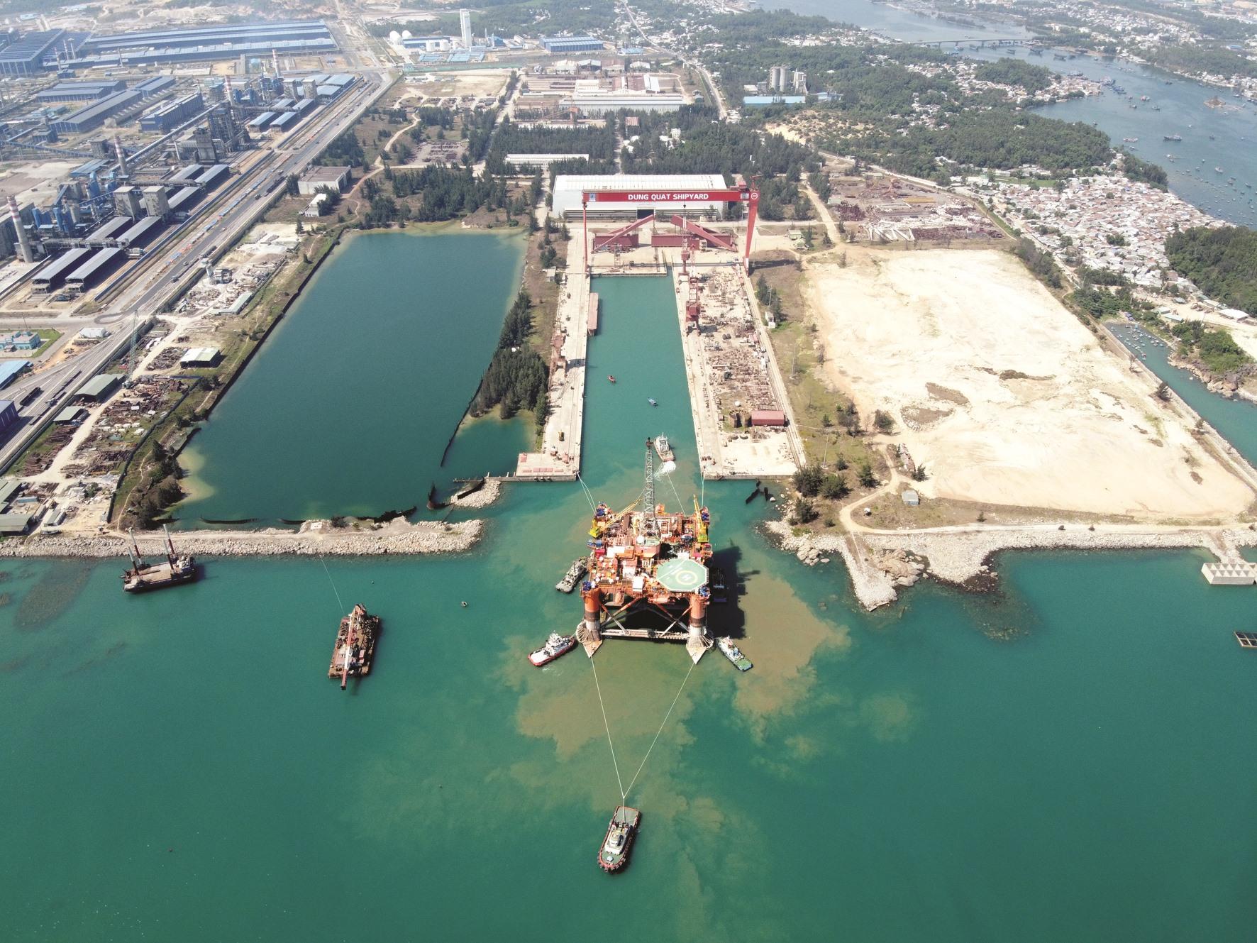 Sản lượng khai thác của giàn khoan dầu khí này lên đến 8.000 thùng dầu mỗi ngày.