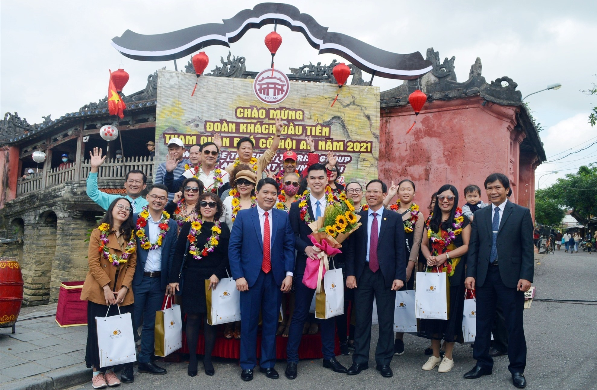 Quang Nam leaders and the first visitors to Hoi An in 2021