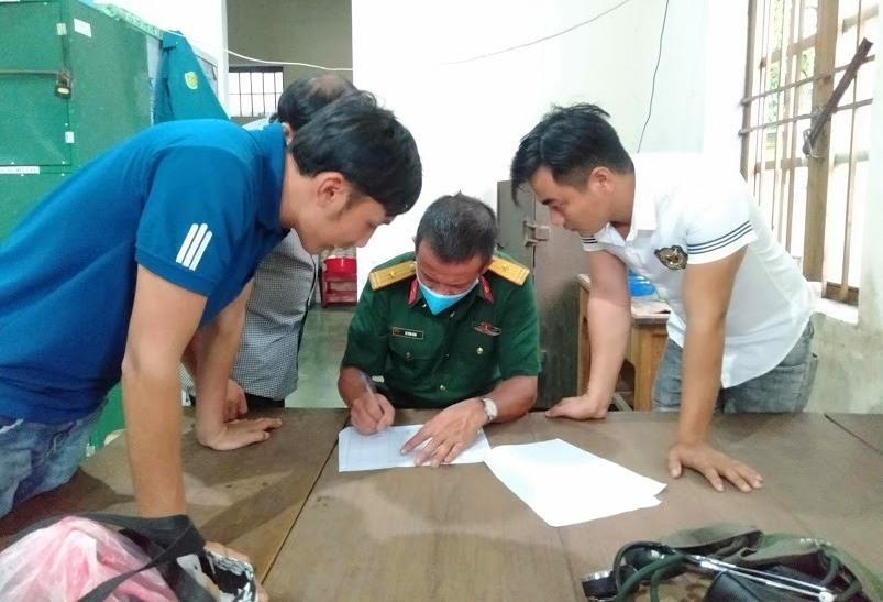 Công tác bàn giao Quân nhân dự bị tham gia huấn luyện được Ban CHQS huyện Thăng Bình thực hiện chặt chẽ.