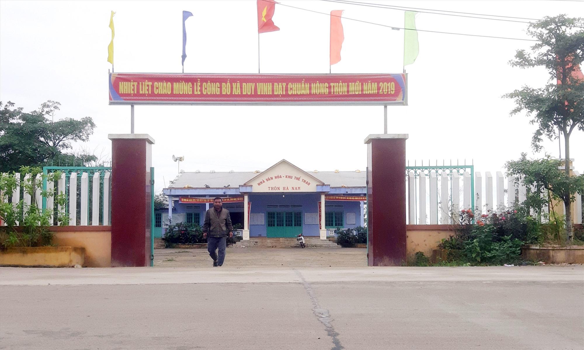 Nhà sinh hoạt văn hóa thôn Hà Nam được xây dựng khang trang, sạch đẹp. Ảnh: T.P