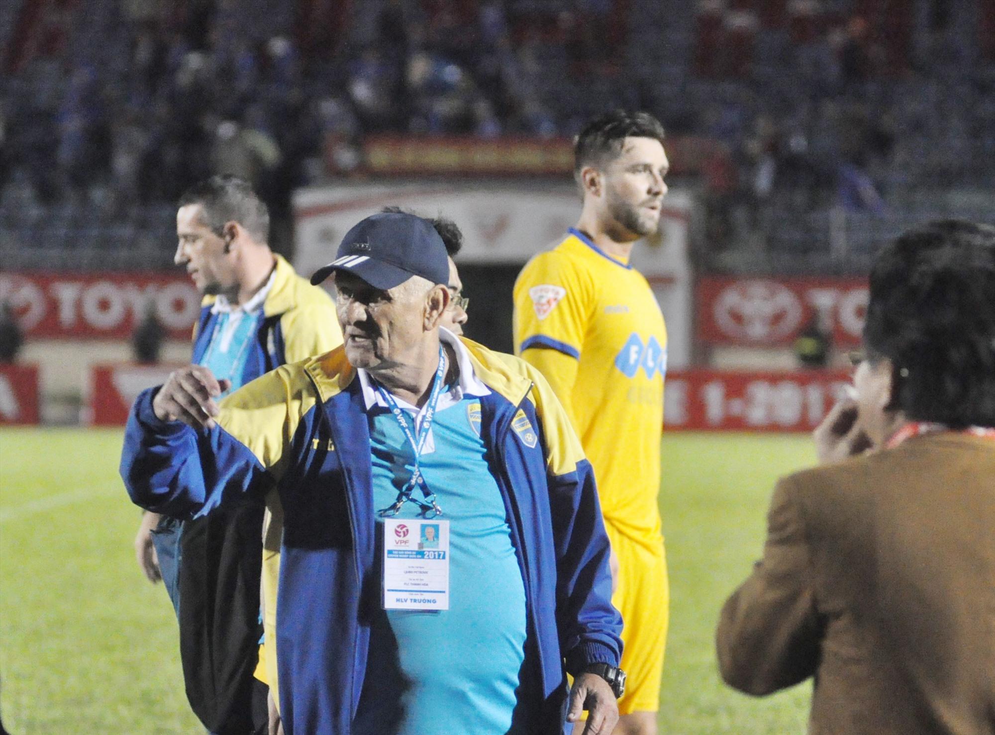 HLV Petrovic trở lại Thanh Hóa giúp V-League 2021 đáng xem hơn. Ảnh: A.NHI
