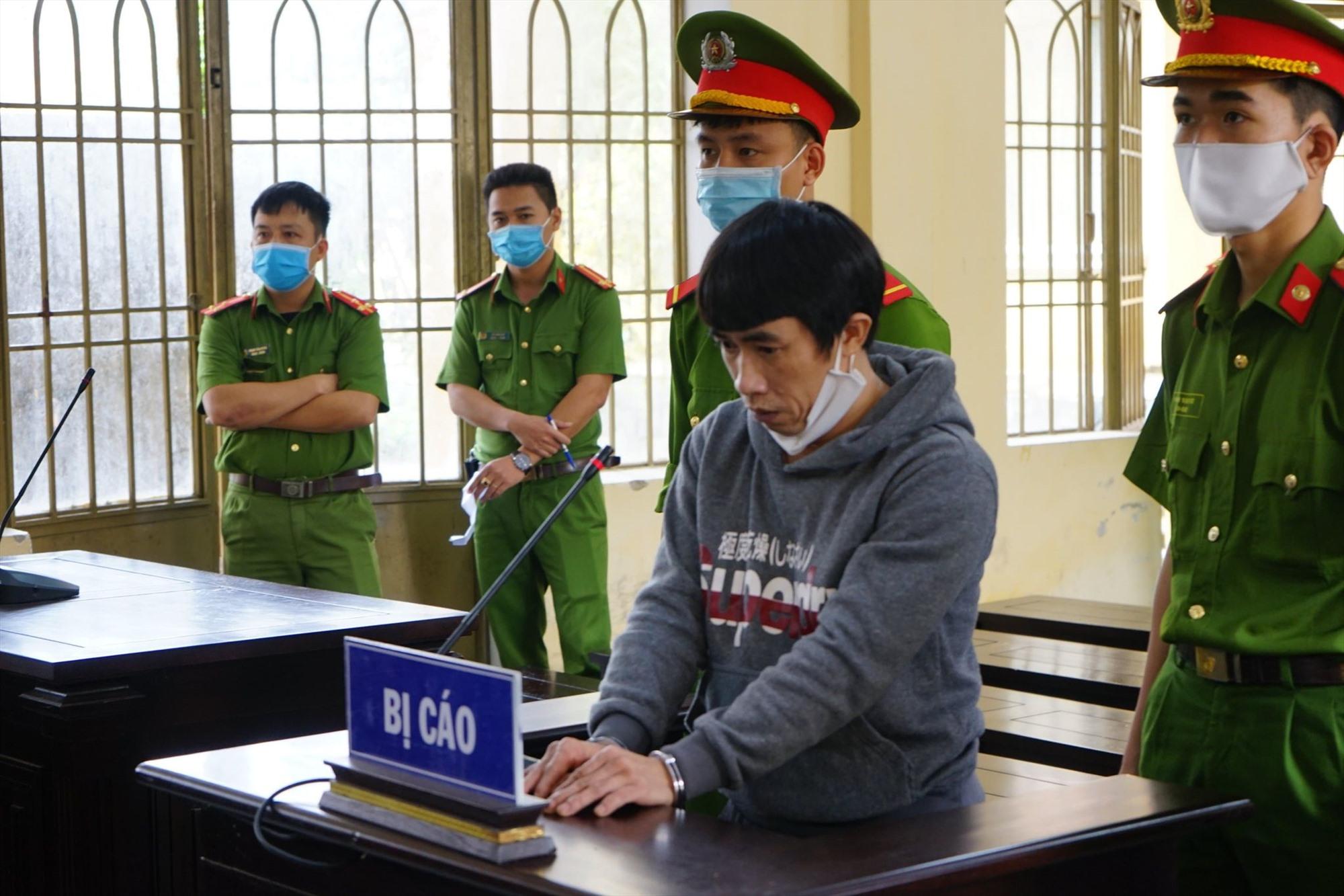 Bị cáo Cúc tại phiên xét xử. Ảnh: T.C