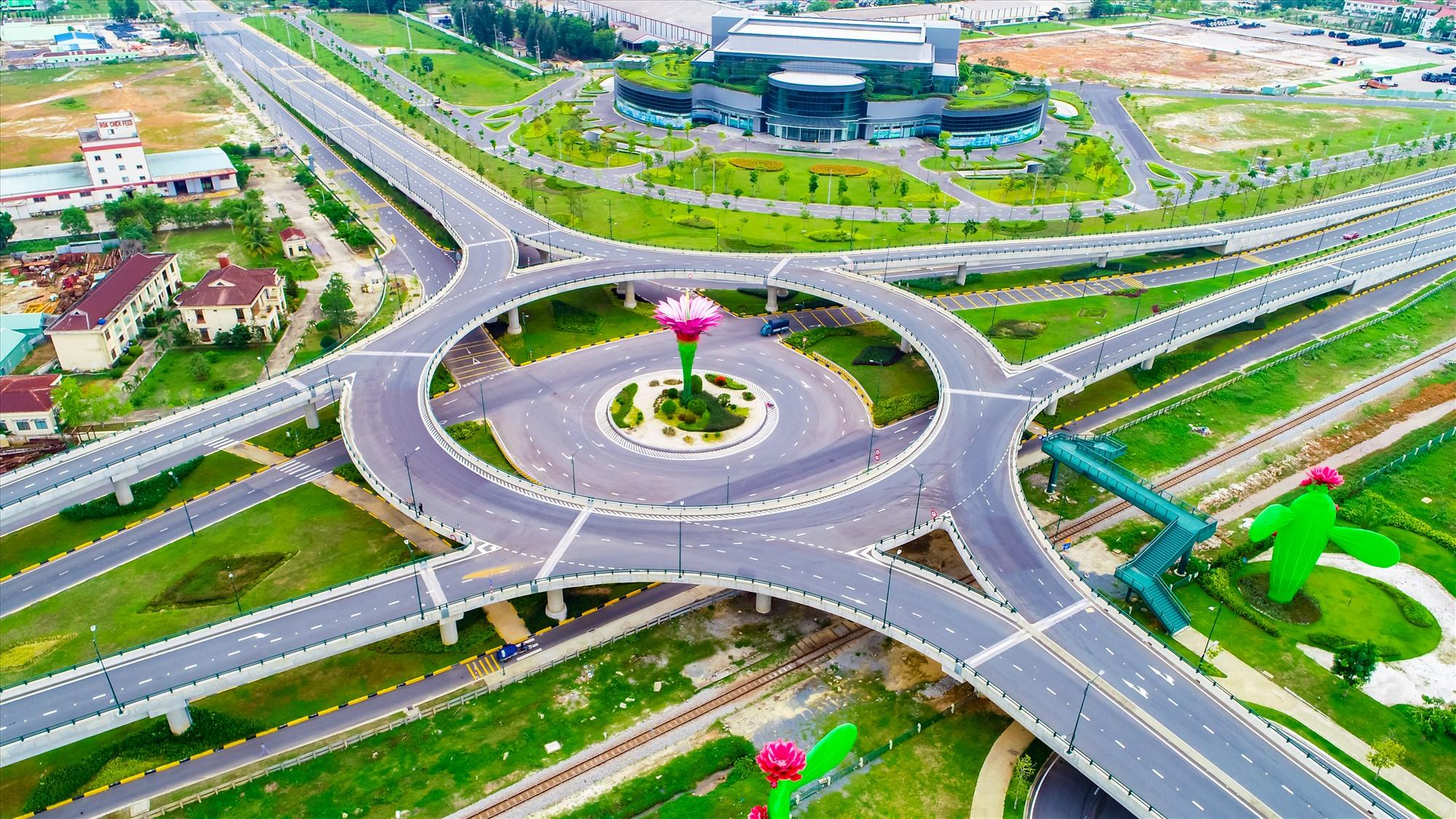 Khu kinh tế mở Chu Lai tiếp tục là cực tăng trưởng động lực của tỉnh Quảng Nam và khu vực, kéo theo nhu cầu phát triển hạ tầng đô thị