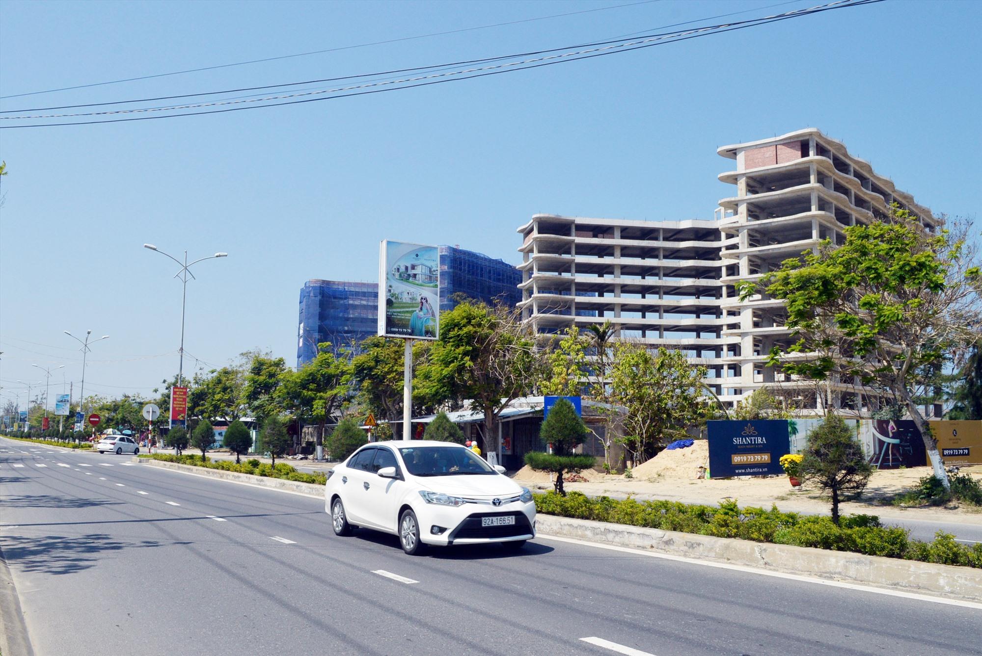 Nhiều dự án du lịch, hạ tầng được triển khai đầu tư đã góp phần thay đổi diện mạo vùng đông Điện Bàn. Ảnh: V.LỘC