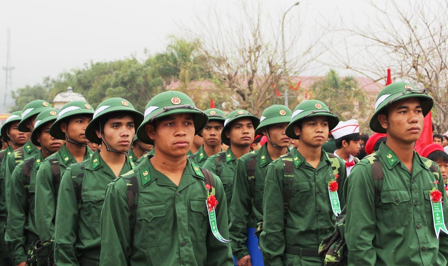 Thanh niên Tây Giang lên đường nhập ngũ trong đợt tuyển quân năm 2020. Ảnh: Đ.H