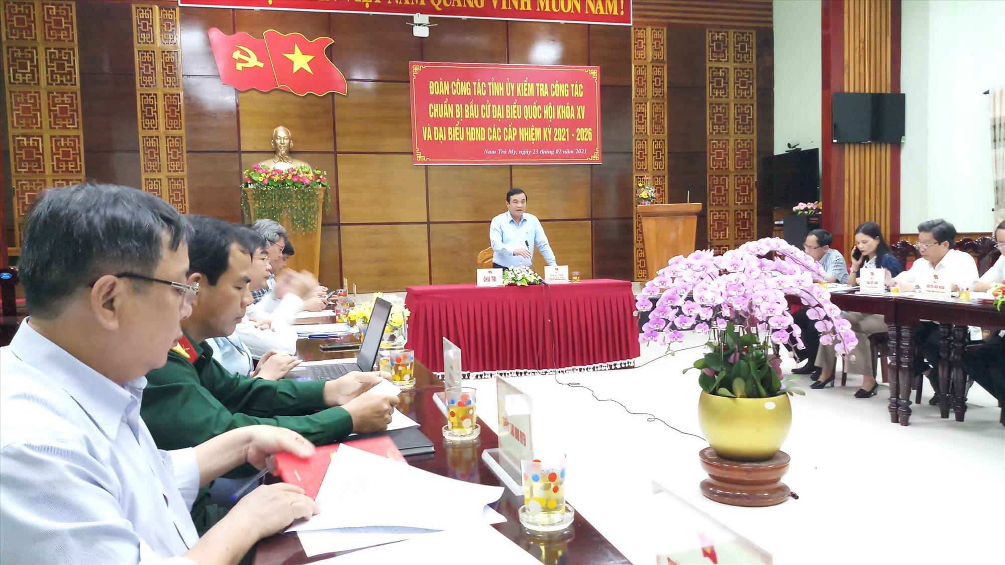 Bí thư Tỉnh ủy Phan Việt Cường phát biểu chỉ đạo tại buổi làm việc. Ảnh: A.N