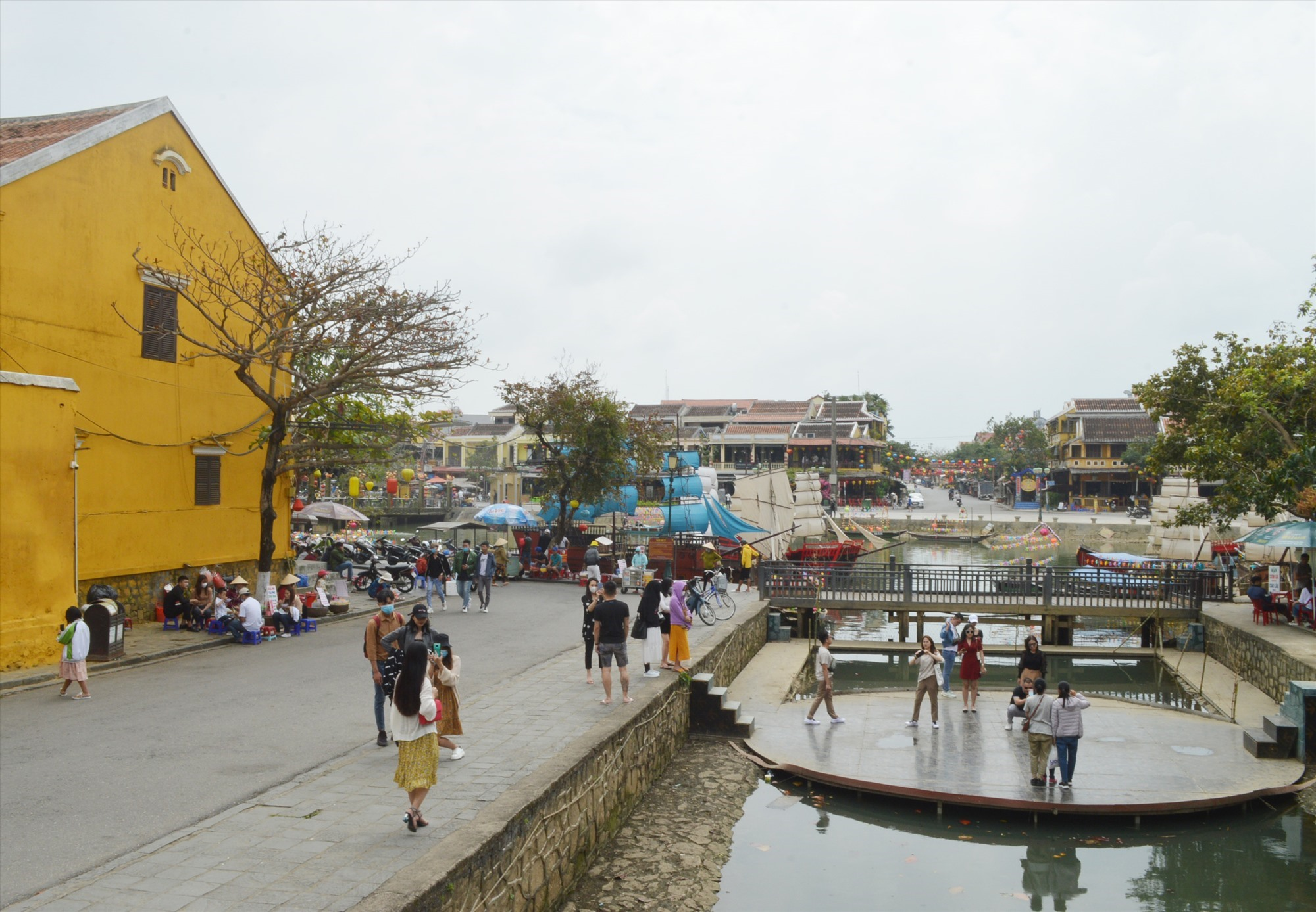 More visitors to Hoi An ancient town