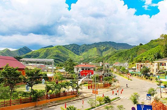 Trung tâm huyện Đông Giang. Ảnh: A.N