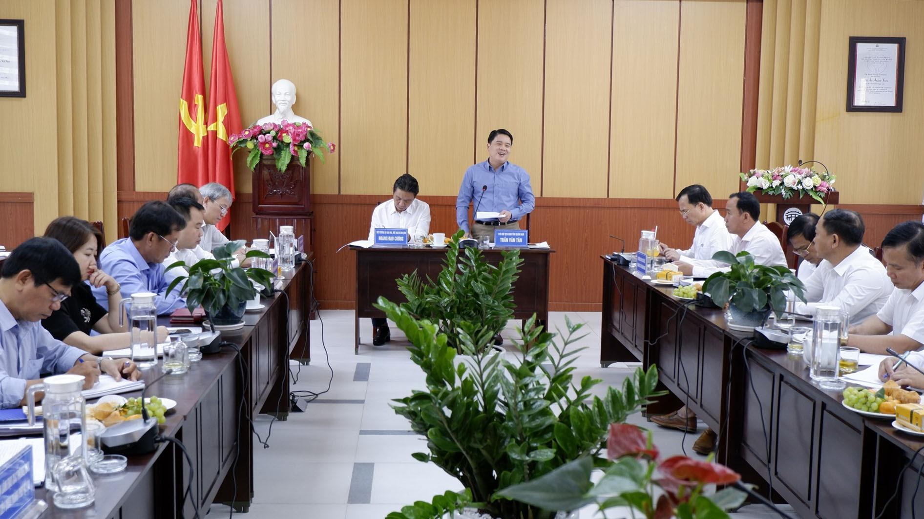 Thứ trưởng Bộ VHTT&DL Hoàng Đạo Cương làm việc cùng UBND tỉnh Quảng Nam và các sở ban ngành địa phương liên quan về công tác trùng tu di tích thời gian tới.